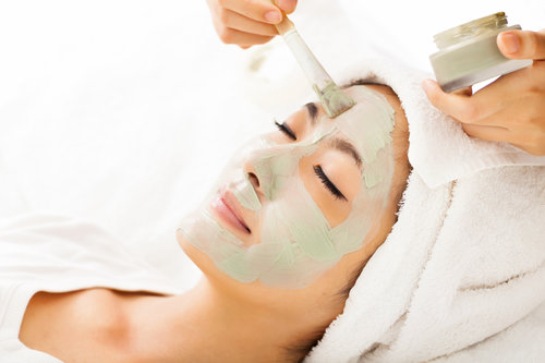 'Sensitive Skin Glow' Facial